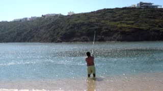 Catch a fish in 15 seconds - Video