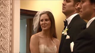 Surprise Groom walks off altar during wedding vows Stepdaughter - Video