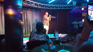 Vacationer Wins Crowd Over With His Karaoke Performance - Video