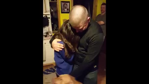 Soldier surprises family in emotional homecoming