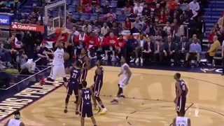 WATCH: Anthony Davis KILLER Dunk vs Pacers - Video