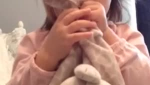Adorable toddler knows her anatomy - Video