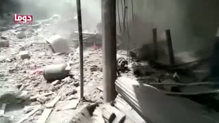 Air strikes near Damascus kill at least 80 people: activists - Video