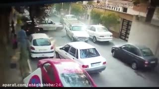 Crazy Man Driving Crashes Into Dozens Of Cars - Video
