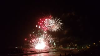 The Moment the Fireworks Barge at Terrigal Beach Exploded - Video