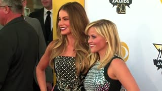 Country's biggest stars shine bright at ACM Awards - Video