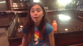 30 second Katy Perry Cover by 9 y/o Maddy - Video