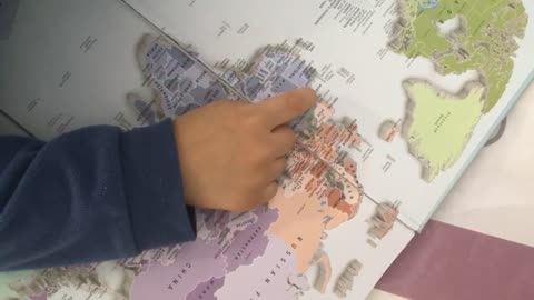 This 4-year-old kid can identify every single country in the world