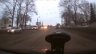 Dashcam captures intense accident on the streets of locomotive Ulyanovsk - Video