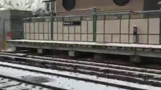Good Samaritans Rescue Man From Subway Tracks - Video