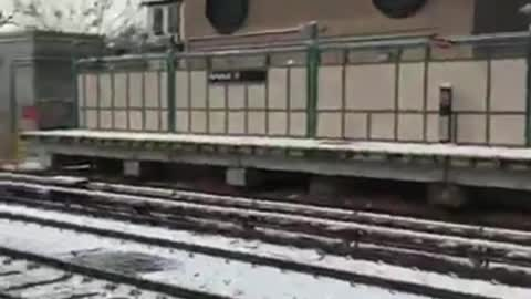 Good Samaritans Rescue Man From Subway Tracks