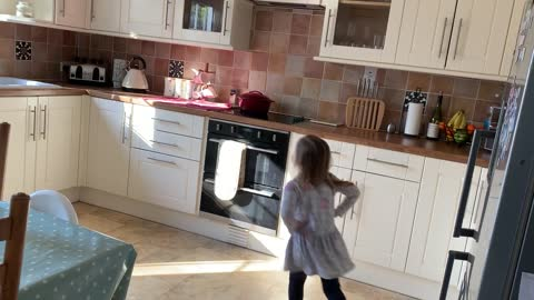 Jump Around, House of Pain in the eyes of a 4 year old Milly 😍