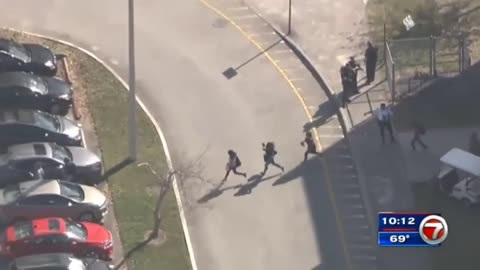 Two Florida SWAT Officers Suspended Because They Entered School During Shooting Without Permission