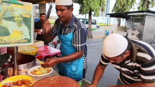 Malaysian Indian Street Food! | Dancing Rojak Man in Penang! - Video