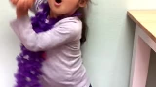 Hilarious rendition of Baby Bumblebee by cute 3 year old  - Video