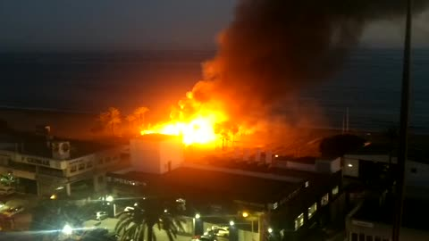 Beach Club in Marbella on Fire - Gigantic Fire