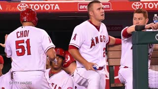 Angels' Ji Man Choi Celebrates 1st Home Run With Imaginary Teammates - Video