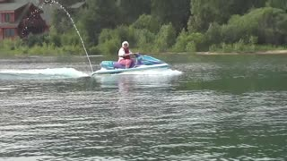 73-year-old woman rides a jet ski on her own!