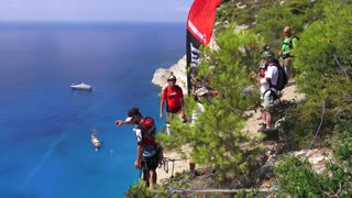 Beautiful base jump at Shipwreck Beach! || Viral Video UK - Video