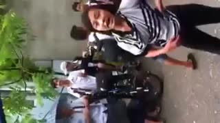 student fight - Video