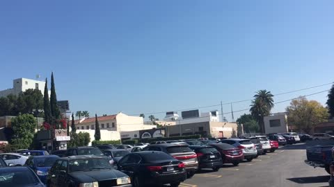 UFOs in the daytime sky