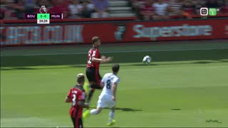 Video: Juan Mata scores for Manchester United after a careless back pass - Video