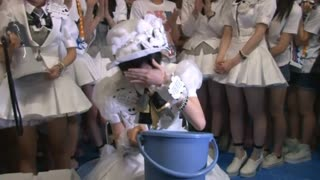 Top Japan pop group take up the ice bucket challenge - Video