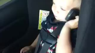Cutest toddler saying hello in Spanish and French  - Video