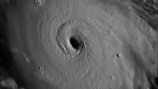 Powerful Hurricane Irma filmed from space - Video
