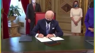 "VIDEO: Joe Biden: ""I don't know what I'm signing?"" *Signs it anyways"