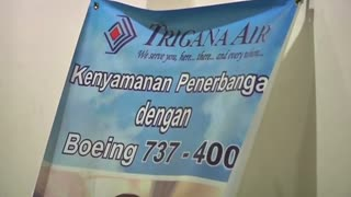 Indonesian plane with 54 people on board crashes in Papua - Video