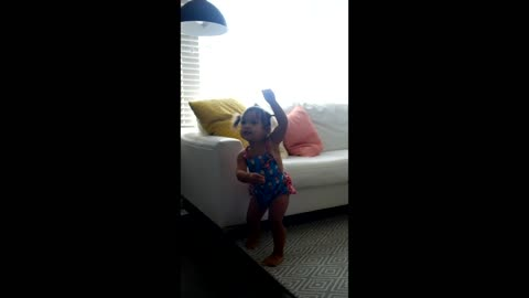 Toddler dances to 'Watch Me Whip / Nae Nae'