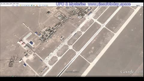 "A secret base with UFOs in China ""Area 51"", look at Google Earth"