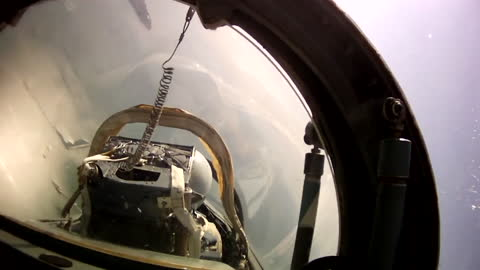 Bright and relaxing aerobatic team flight! Air-to-air video view from the eyes of pilot!
