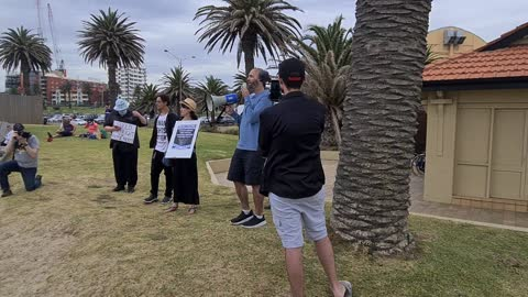 Speaches at St Kilda Beach 1