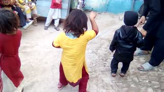 "Watch Little Kids Perfect Dancing ""Rebo Rebo""  - Video"