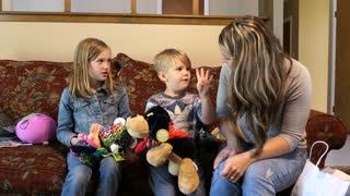 Parents Tell Kids They Are Going To Have A Baby Again - Video