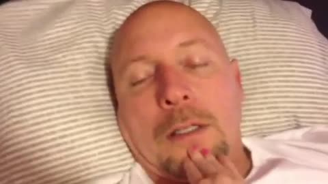 Sleeping Dad Scares Daughter Who Thinks That She Is Pranking Him
