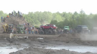 Perkins Big Crash Freestyle Mudding At Michigan Mud Jam 2013 View 1 - Video