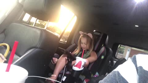 Little girl has precious conversation with Siri