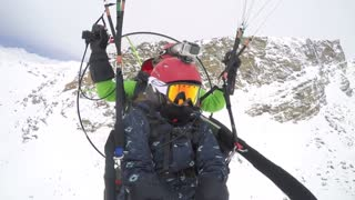 Paramotoring adventure turns into surprise wedding proposal  - Video