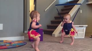 Twin babies adorably perform Irish dance - Video