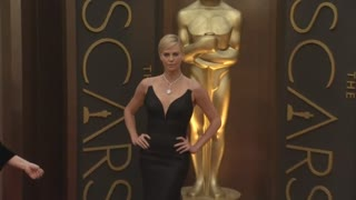 Theron Compares Paparazzi Intrusion To Rape, Gomez Travels To Nepal - Video