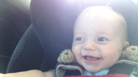Baby hilariously laughs at older brother