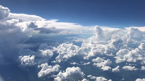 Passenger Captures Incredible View of Passing Storm From Plane