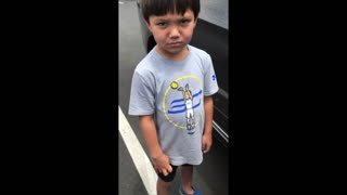 Kids ask if they are filipinos  - Video