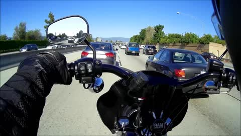 Road Rage - Car is trying to prevent bike from splitting