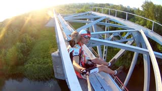 Cool Cat Cruises with Cyclist