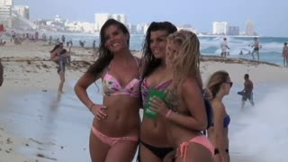 Mexico beefs up security to receive spring breakers - Video
