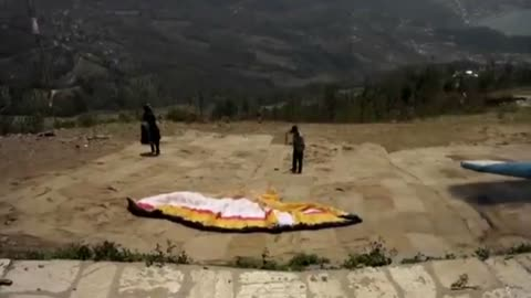 Paragliding landing gone wrong